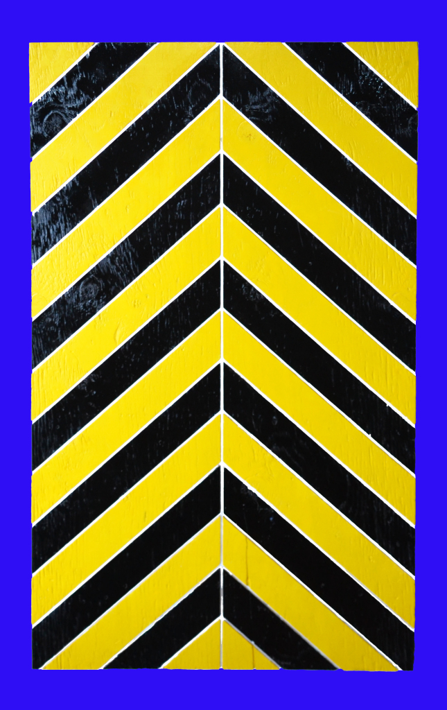 totem-fond-bleu